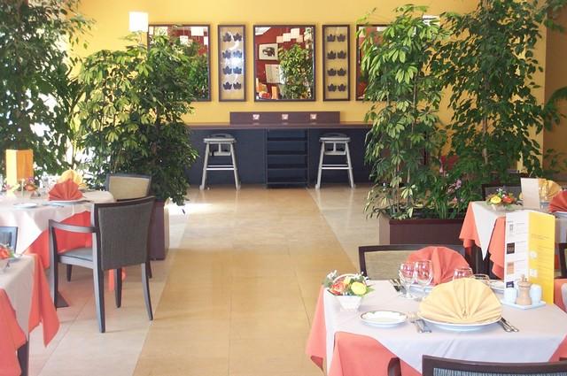 saint martin hotel mercure auxerre france 3