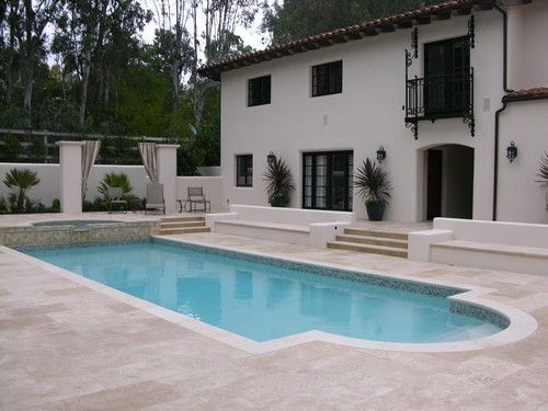 private swimming pool lanvignes yellow california 2