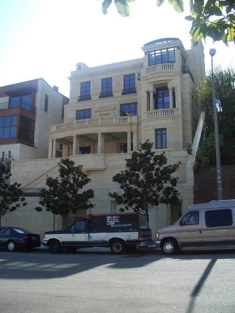 Saint Maximin Pacific Street San Francisco USA St Maximin 7