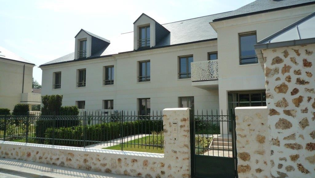 Apartment Gif sur Yvette France Noyant 1