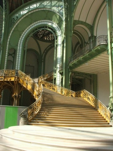 Grand Palais Paris France Comblanchien 2
