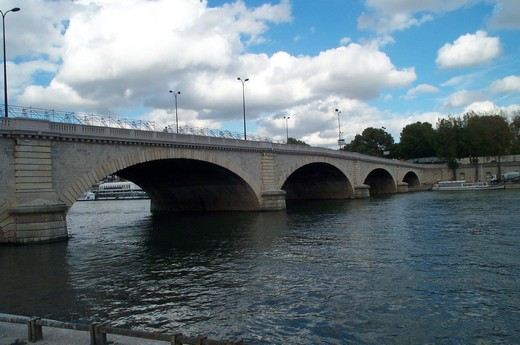 Pont Tolbiac Paris France Comblanchien 2