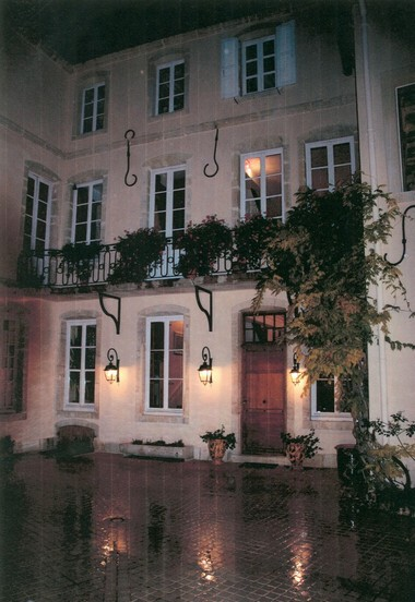 Private Residence Beaune France Comblanchien Cobblestone