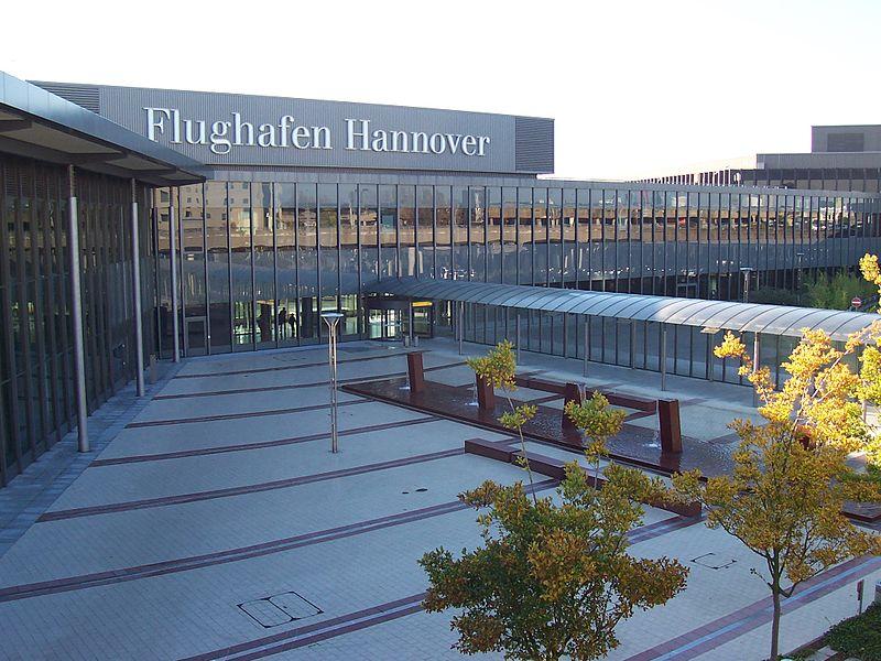 Hanovre-Airport-Germany-Tarn-Silverstar-1