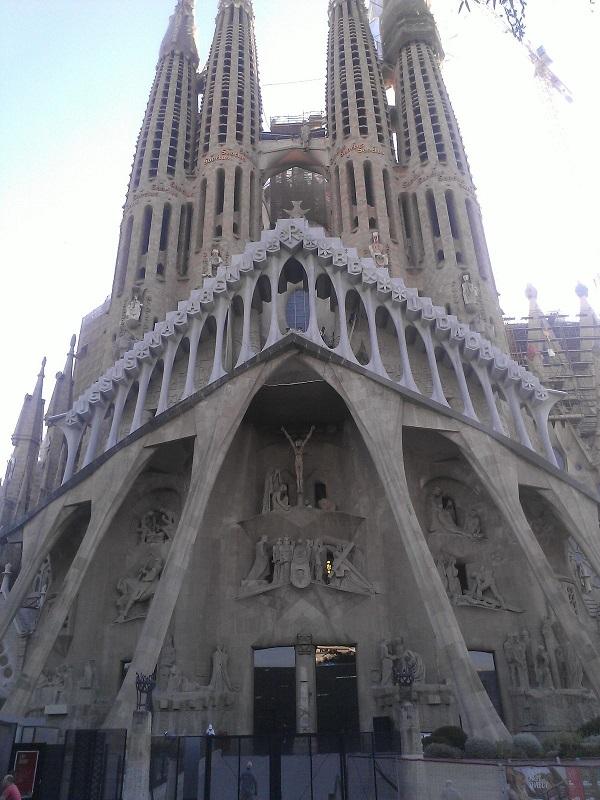Sagrada-Familia-Barcelona-Spain-Tarn-Silverstar
