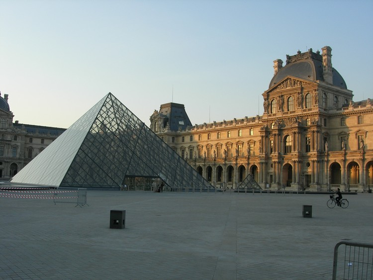 grand-louvre-lanhelin-1
